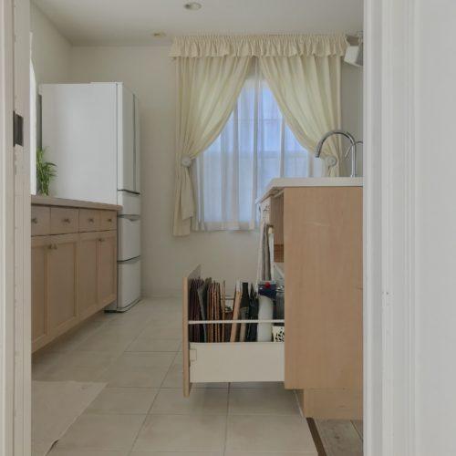IKEAディッシュスタンド活用法 簡単ランチョンマット収納