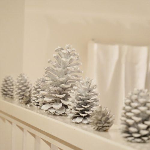 2種類のクリスマスツリーの飾り付け