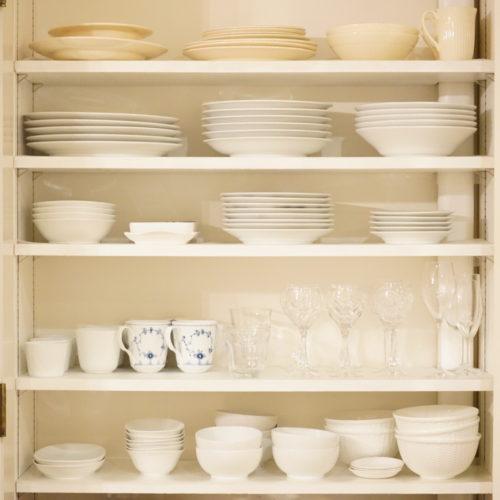 食器が増えたので食器棚の見直しをしました。