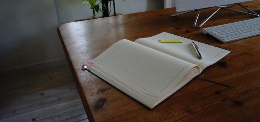 やることを付箋に書きだして優先順位をつけ