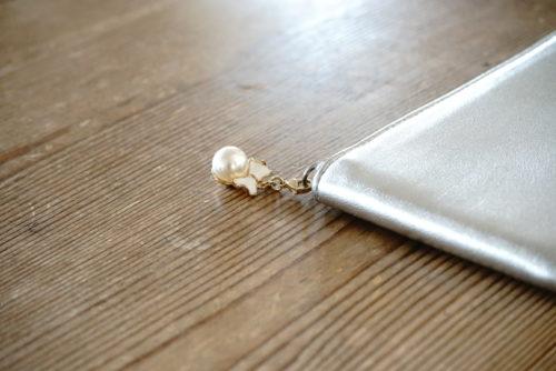 マスクチャームを財布のファスナーにつけてみました。